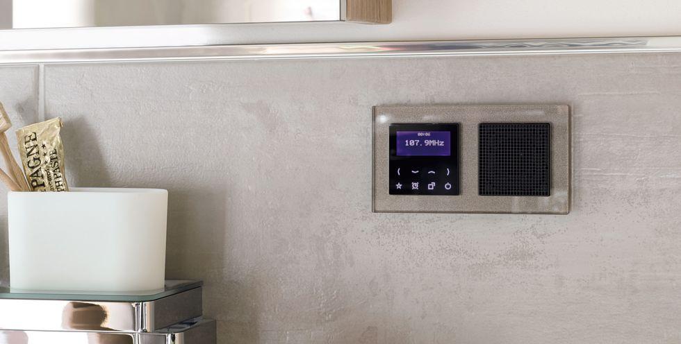 Radio Wandeinbau, Für den einheitlichen Look im eigenen Zuhause ist der Tastdimmer im Jung Schalterdesign erhältlich.