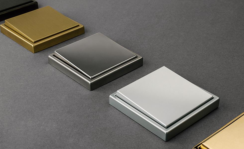 JUNG - LS 990 in echtem Metall Design